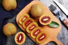 红心猕猴桃怎么才算熟了?硬的能吃吗?