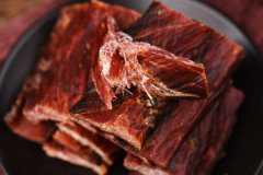 一斤牛肉出多少牛肉干?真假风干牛肉怎么鉴别?