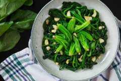 菠菜怎么做好吃?这4种方法,包你一学就会!