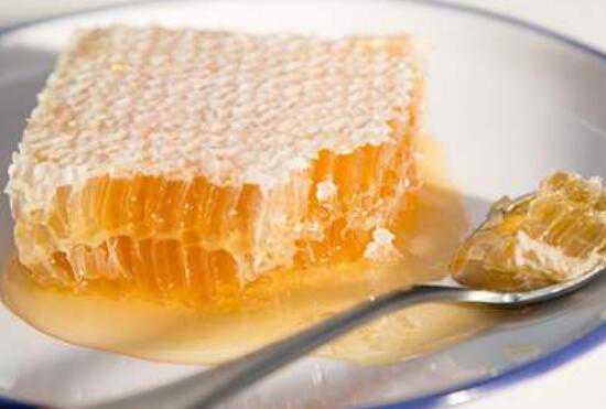 蜂巢怎么吃 蜂巢的正确吃法