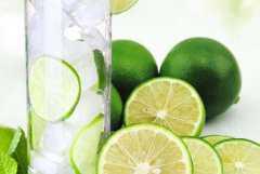 青柠檬泡水的正确做法,青柠檬泡水如何做才好喝