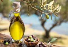 初榨橄榄油能炒菜吗