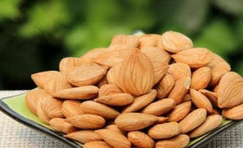 熟杏仁和生杏仁的区别 吃杏仁的好处