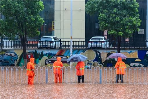 新乡2小时降雨量超过郑州