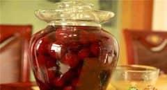 杨梅泡酒的功效与作用,喝杨梅泡酒的好处