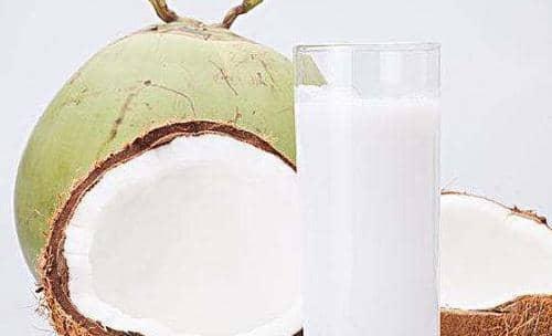 椰子汁的功效与作用 喝椰子汁有哪些好处
