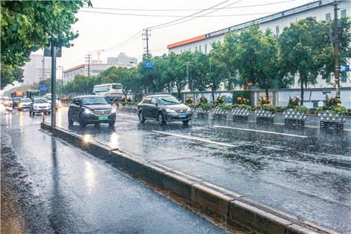 2021台风灿都上海停课吗